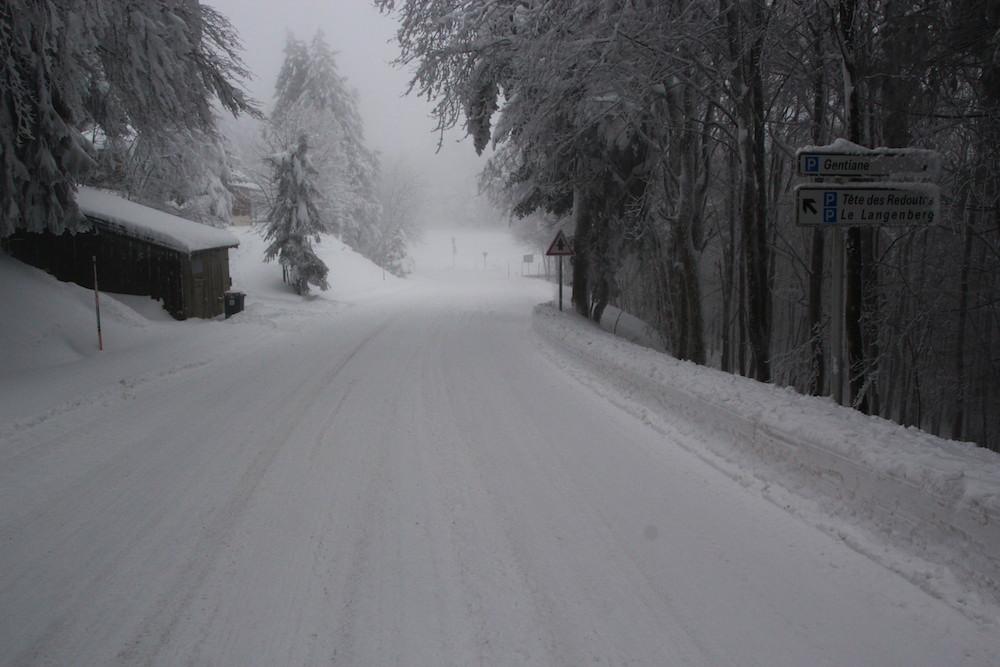 L'épisode de pluie et de neige de ce jeudi 14 janvier entraîne des perturbations sur le réseau routier départemental.