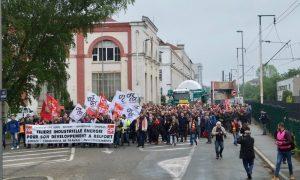 Entre 350 et 500 personnes ont accompagné la sortie de la 9HA ce mardi matin.