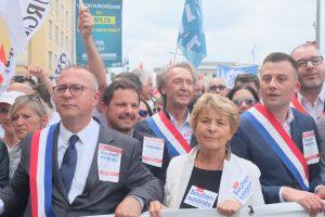 Des élus du Territoire de Belfort, mais aussi de tout le nord Franche-Comté (à gauche, Damien Meslot, maire de Belfort ; au centre, avec l'écharpe, le sénateur du Doubs Martial Bourquin ; et la présidente de la Région Bourgogne-Franche-Comté).