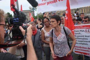 Nathalie Arthaud (LO) fait partie des personnalités politiques qui ont participé à la manifestation.