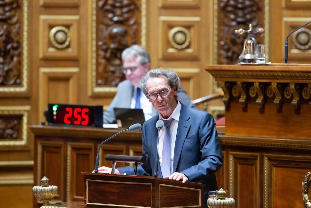 Martial Bourquin dépose une loi pour nationaliser Luxfer, Famar et Péters Surgical
