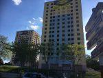 Deux des tours qui vont être détruites le 20 juin, vues depuis le boulevard Kennedy.  | ©Le Trois – P.-Y.R.