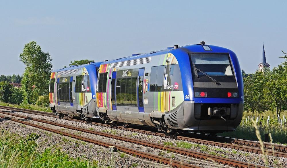 diesel-railcar-2151945_1280