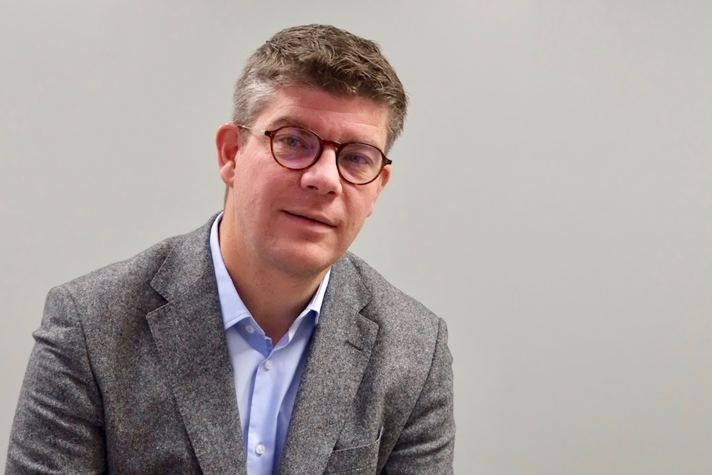 Cédric Perrin, sénateur du Territoire de Belfort, a déposé une proposition de loi, approuvée au Sénat, pour avoir deux procurations au second tour des élections législatives de 2020, le 28 juin.