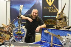 L'artiste plasticien Bertrand Grégory créé des guitares à l'imprimante 3D ou à partir d'une maquette, un bel ouvrage !