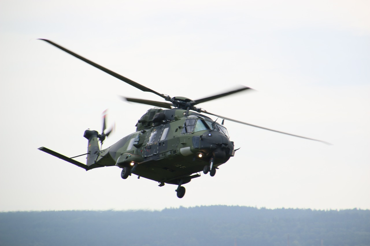 Dans la lutte contre le nouveau coronavirus, l'armée a assuré des transferts de patients en hélicoptères depuis la Bourgogne-Franche-Comté.