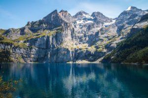 Le lac Oeschinen (©teaFarm– Pixabay)