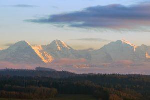 Le trio Eiger Mönsch Jungfrau (©Marcel Kessler – Pixabay)