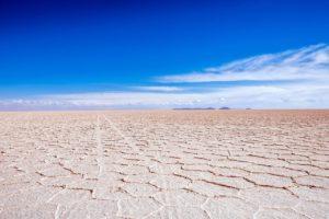 Salar de Uyuni, désert de sel à 4000 mètres d'altitude (©nailaimkal– Pixabay).