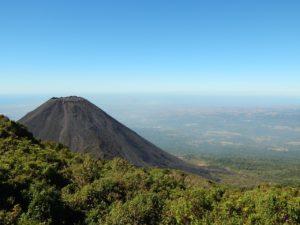 Le volcan Izalco (©Andre_Santana – Pixabay).