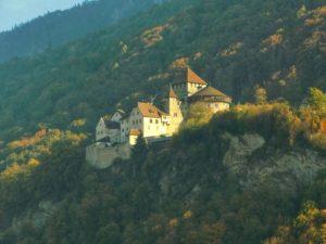 Le château de Vaduz, le seul château du Liechtenstein, mais le plus beau ! Vue depuis Vaduz, la capitale (©Gautier Drouin).