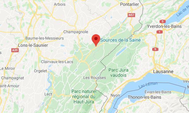 Le 15 avril, un relais téléphonique a été incendié à Foncines-le-Haut, dans le Jura. Un des deux suspects a reconnu être l'auteur.
