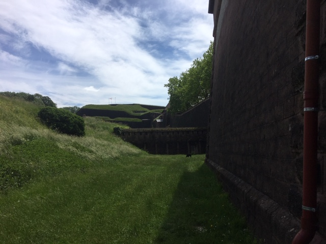 Les fossés de la citadelle de Belfort.