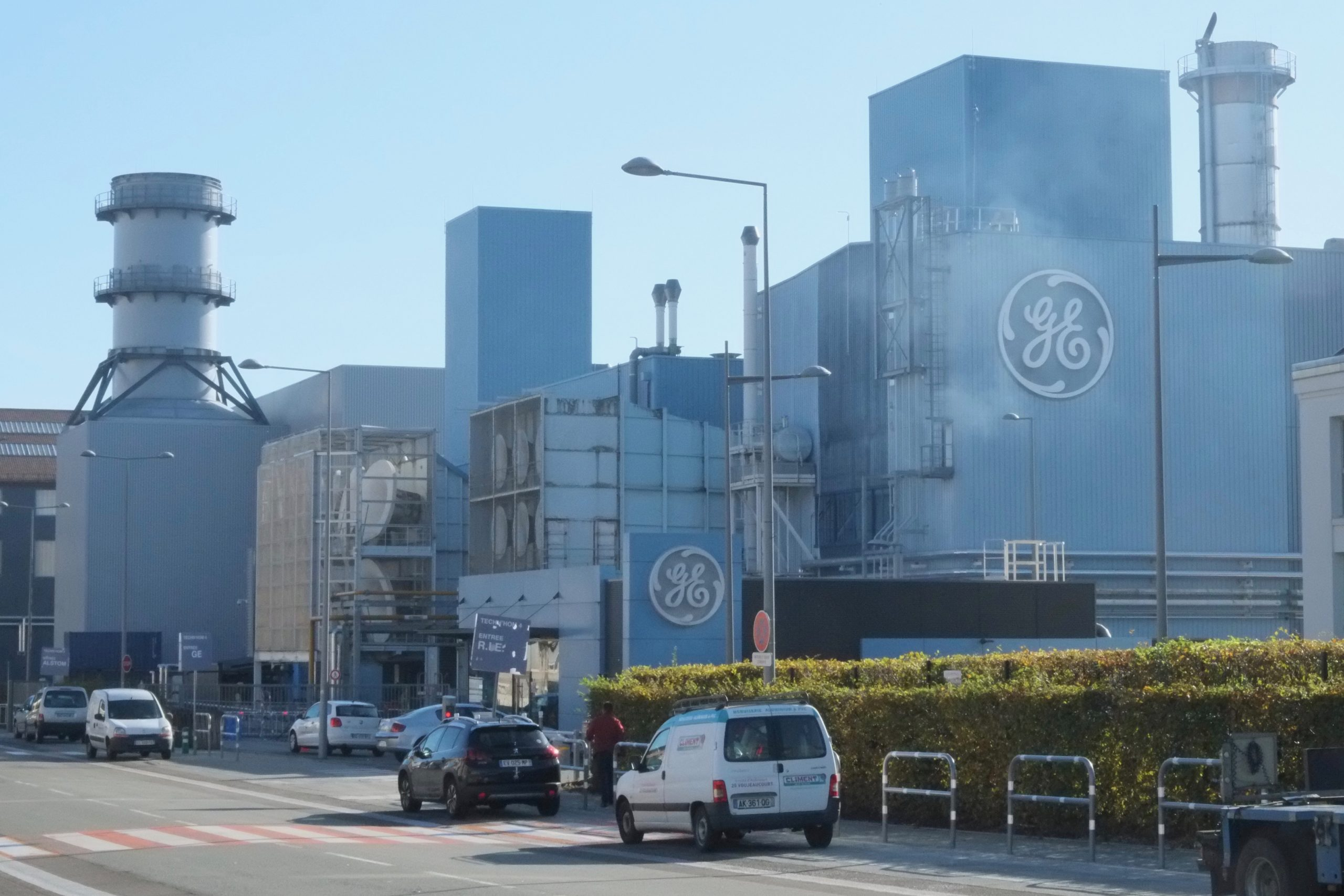 Rencontre entre le gouvernement, l'intersyndicale et la direction de General Electric.