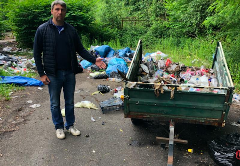 Benoit Cornu dénonce les dépôts sauvages dans sa commune de Ronchamp.