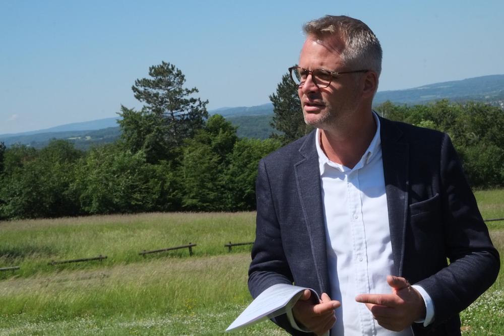 Nicolas Pacquot, maire d'Étouvans, a annoncé sa candidature à la présidence de Pays de Montbéliard Agglomération, depuis le belvédère de Vandoncourt.