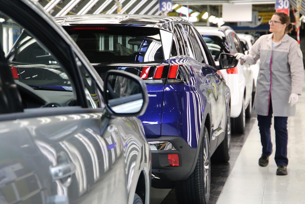 Le marché automobile européen s'est encore effondré de 52,3% en mai sur un an. Pour PSA, les ventes ont chuté de 56,4 % annonce l'ACEA.