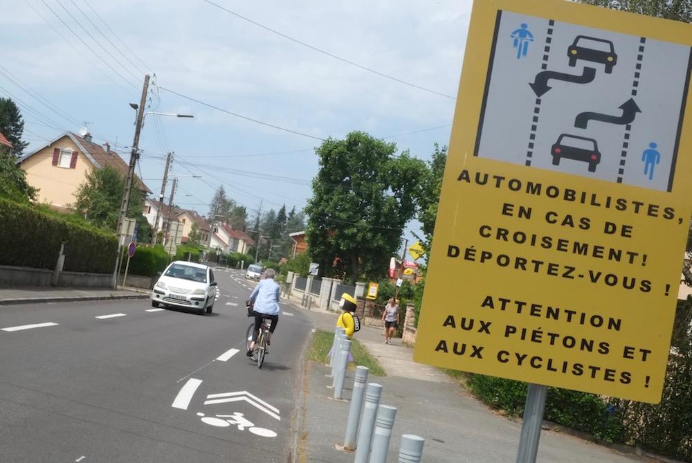 La mairie de Bethoncourt innove en testant un nouvel aménagement cyclable, le Chaussidou.