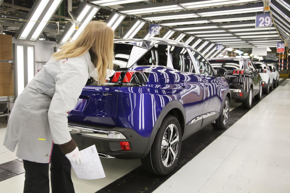 Le marché automobile européen limite les dégâts en juin grâce à la France