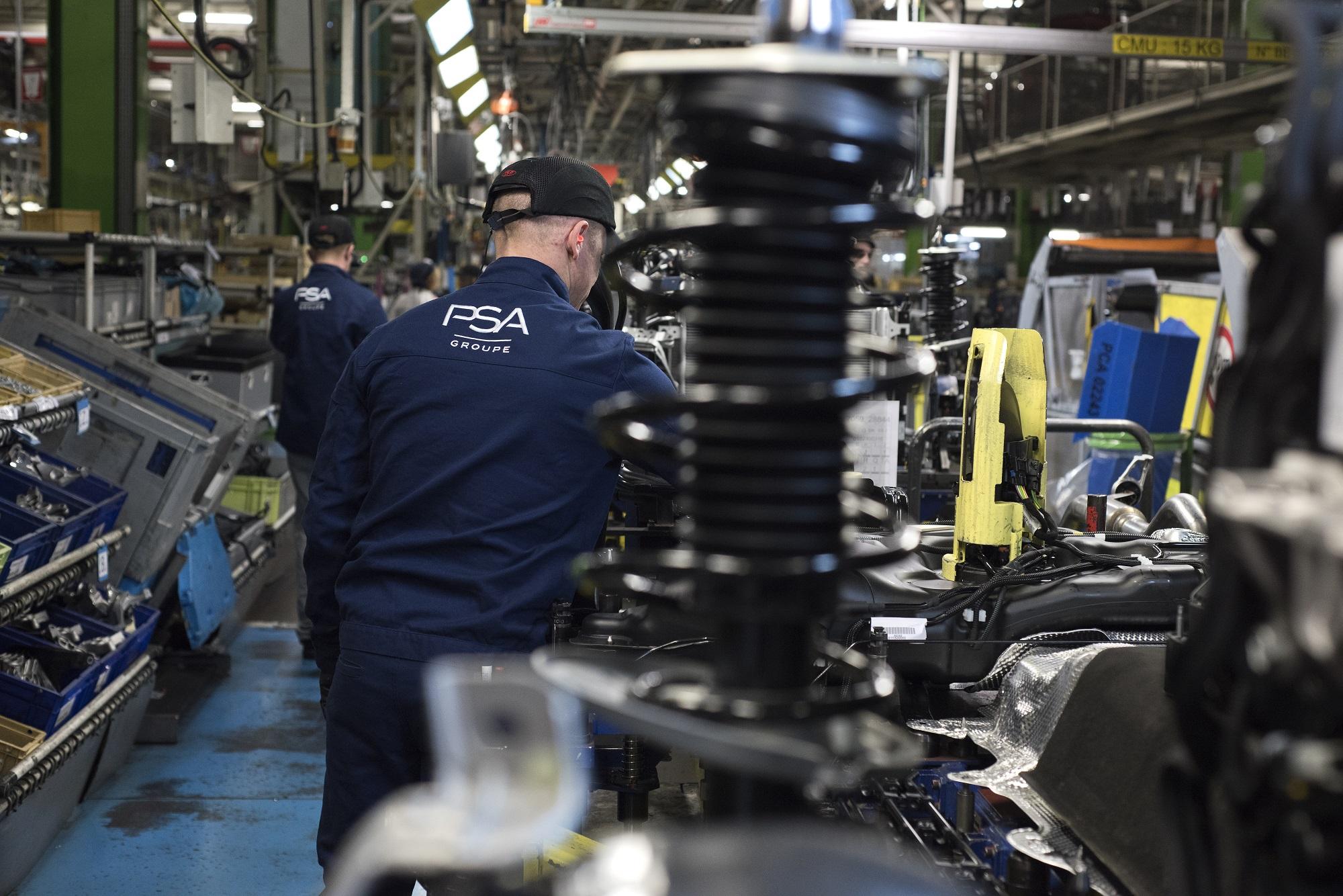 Le montage à l'usine de Sochaux. Photo Groupe PSA, Communication Sochaux -Jean-François Lamy