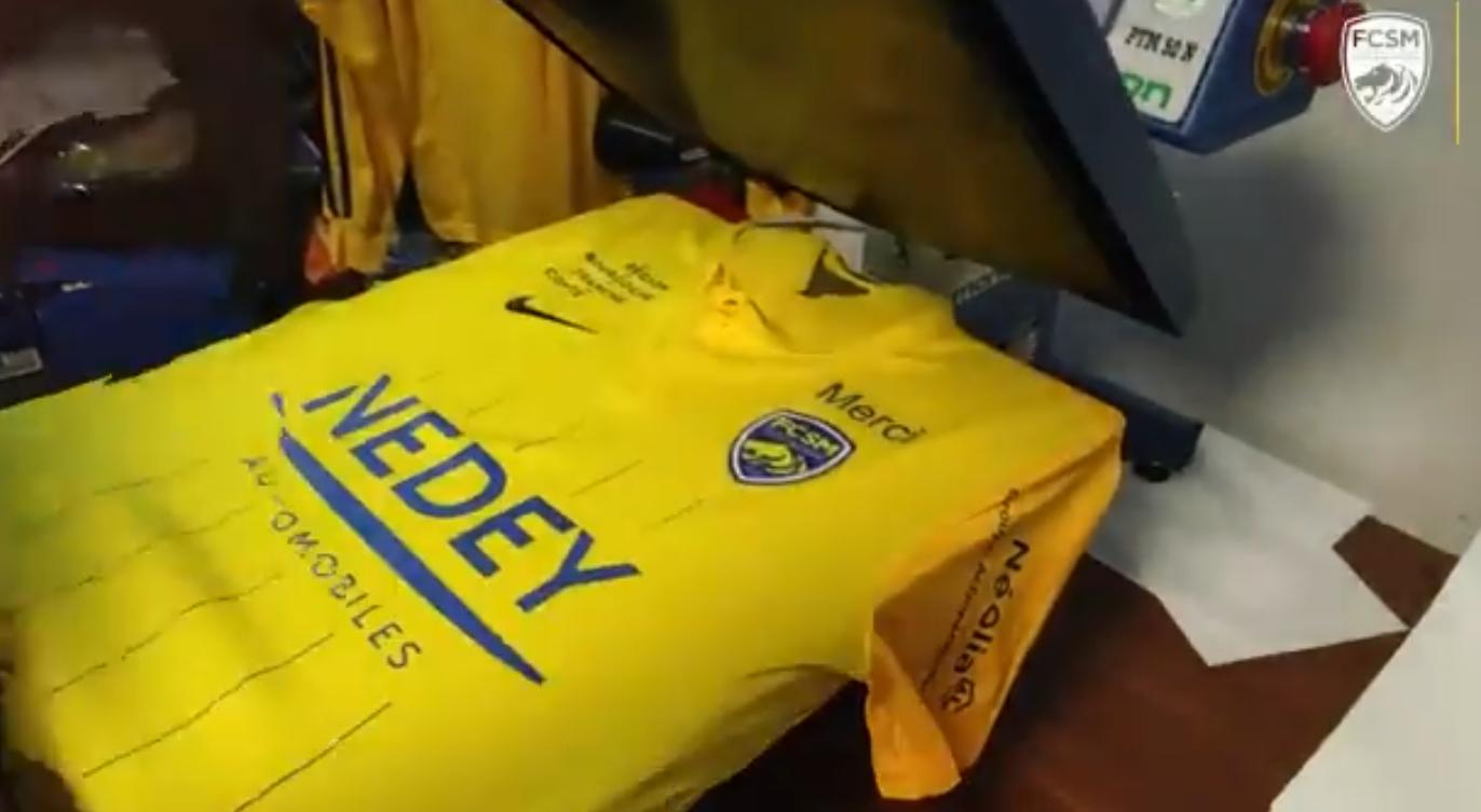 """Le FCSM floque le mot """"merci"""" sur son maillot pour la 3e journée de Ligue 2 BKT"""
