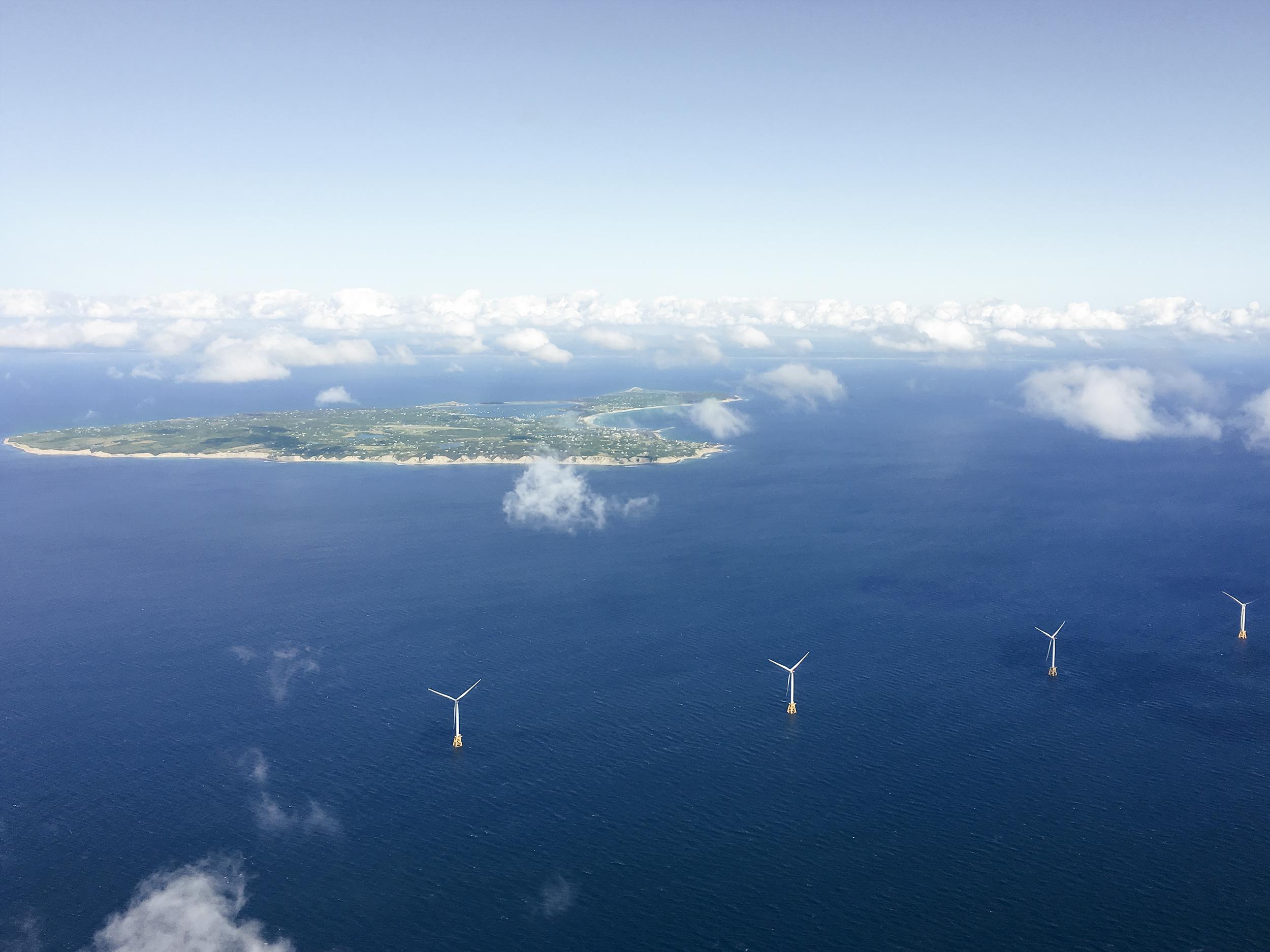 Des éoliennes en mer fabriquées par GE.