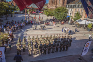 L'Esta organise pour les étudiants de 1re année, depuis 6 ans, une préparation militaire découverte (PMD) au 1er RA, pendant 5 jours. Remise des insignes, le vendredi 4 septembre, place d'Armes, à Belfort.