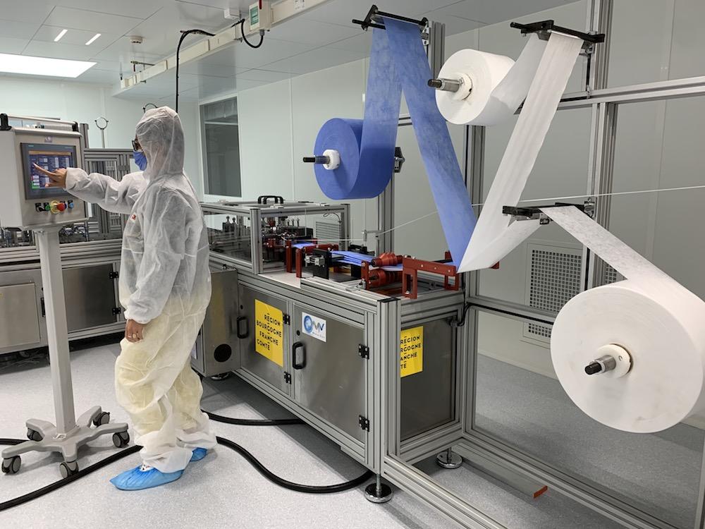 La région Bourgogne-Franche-Comté a acquis et installé à Dijon une unité de production de masques chirurgicaux