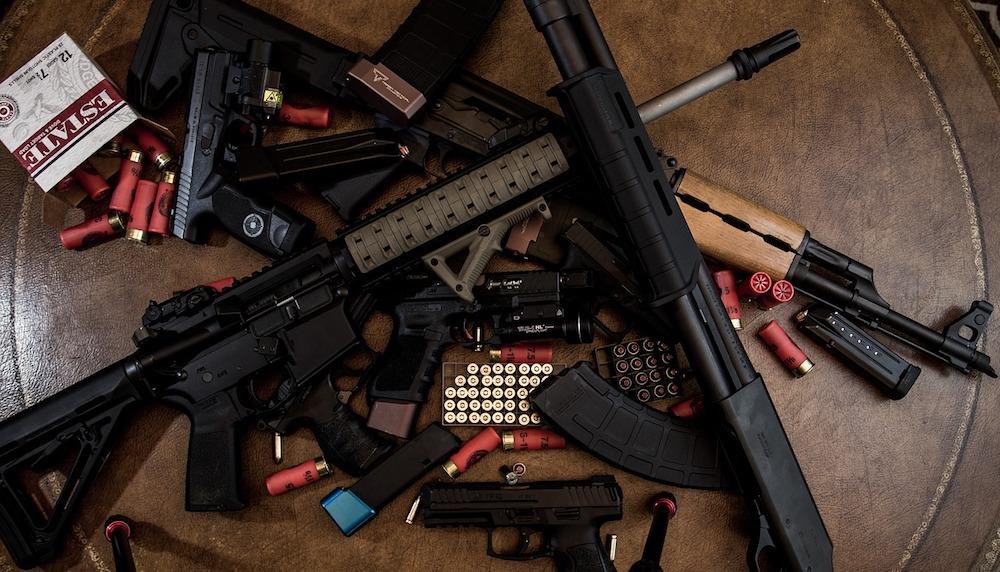 Côte d'Or: importante saisie d'armes, trois suspects mis en examen