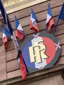 Les drapeaux de la ville de Belfort sont en berne depuis lundi.