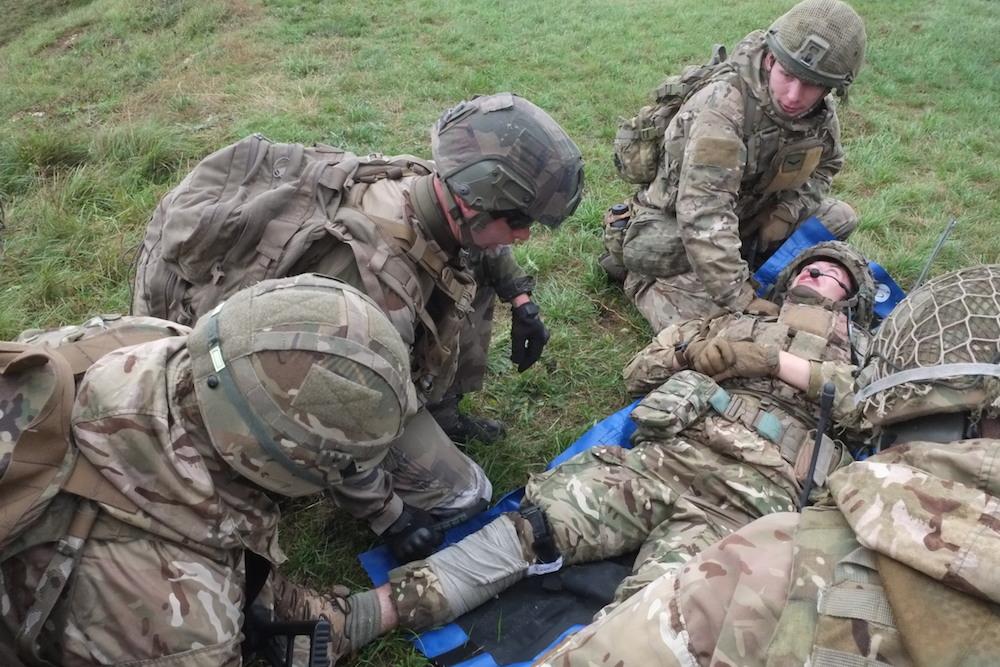 Simulation d'une vacuation sanitaire d'un militaire blessé, lors de la manoeuvre Royal Blackhawk, en 2019, à la citadelle de Belfort.
