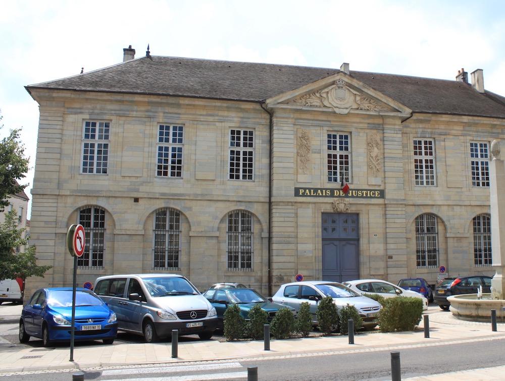 Palais justice Vesoul (CC BY-SA 3.0 / Christophe Finot)