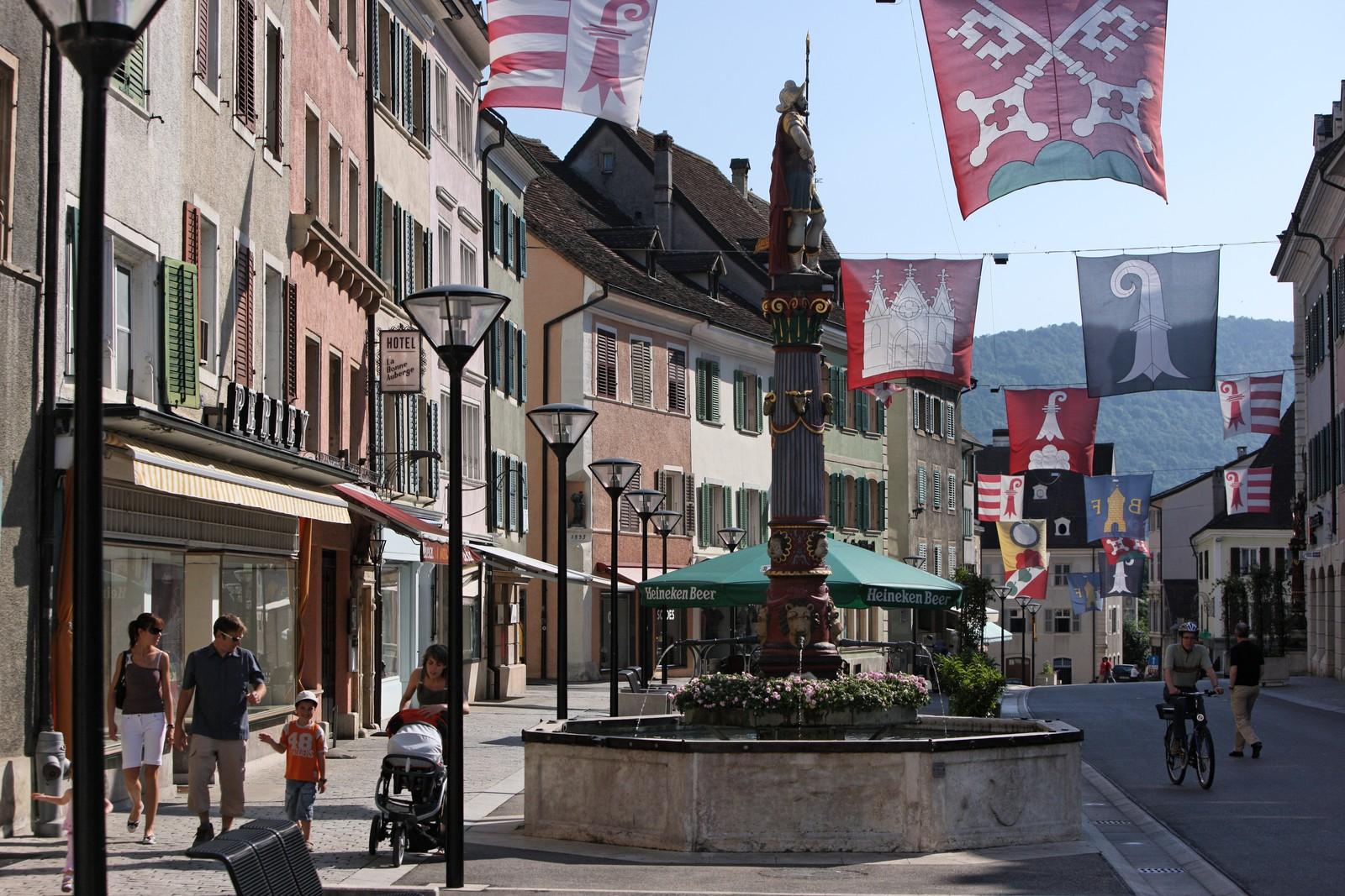 Fermeture des bars, restaurants et cafés à 22 h dans le Jura suisse
