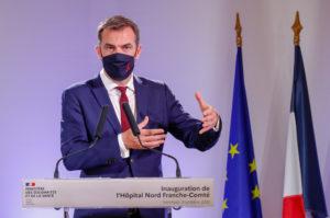 Pendant son allocution, Olivier Véran a confirmé les annonces du Ségur de la santé et évoqué une enveloppe de 50 millions d'euros pour ouvrir 4000 lits à la demande, d'ici décembre.