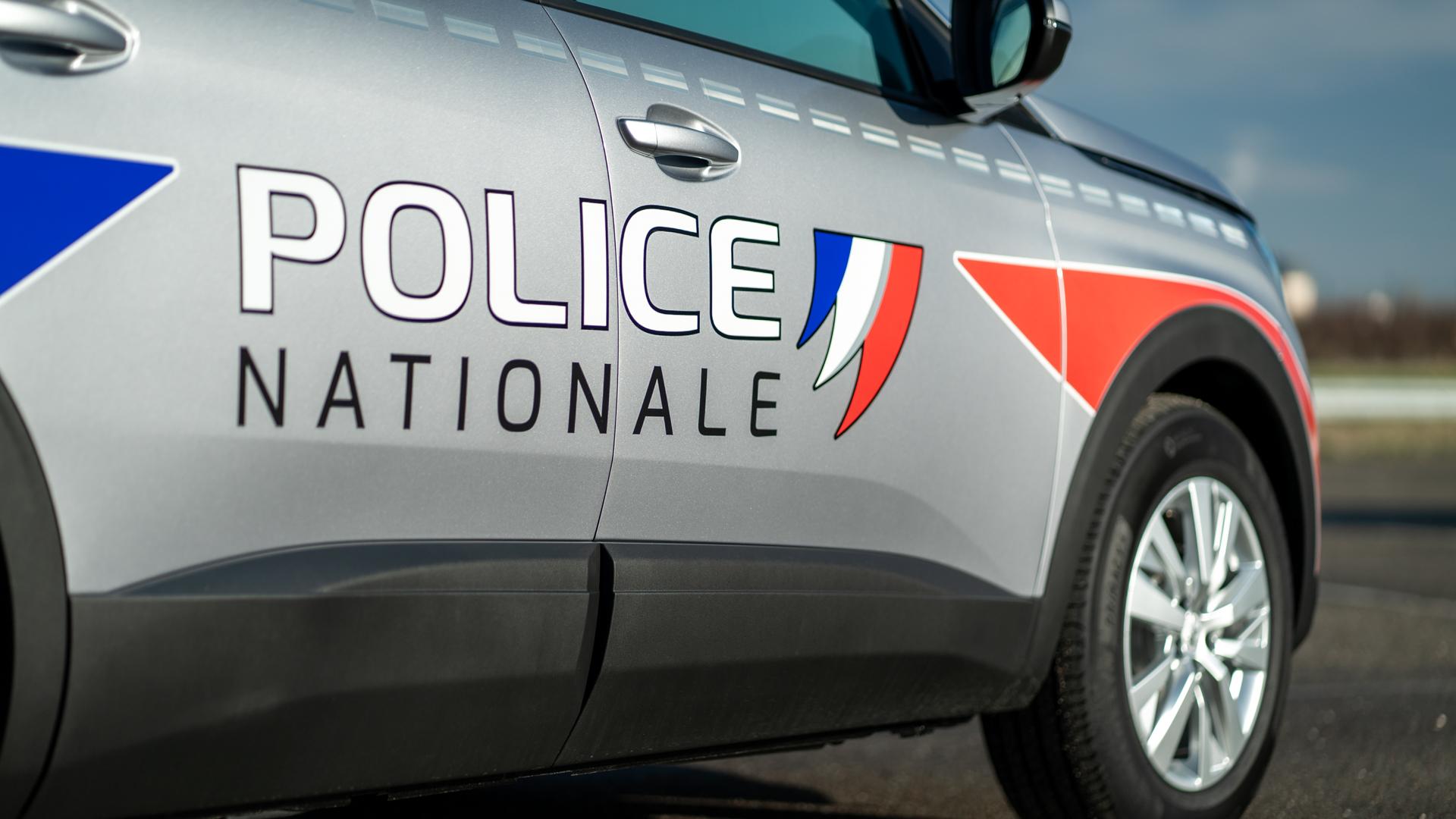 5008 police & gendarmerie 4 (automobiles Peugeot)