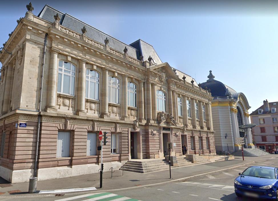 Tribunal de Belfort / palais justice / tribunal judiciaire