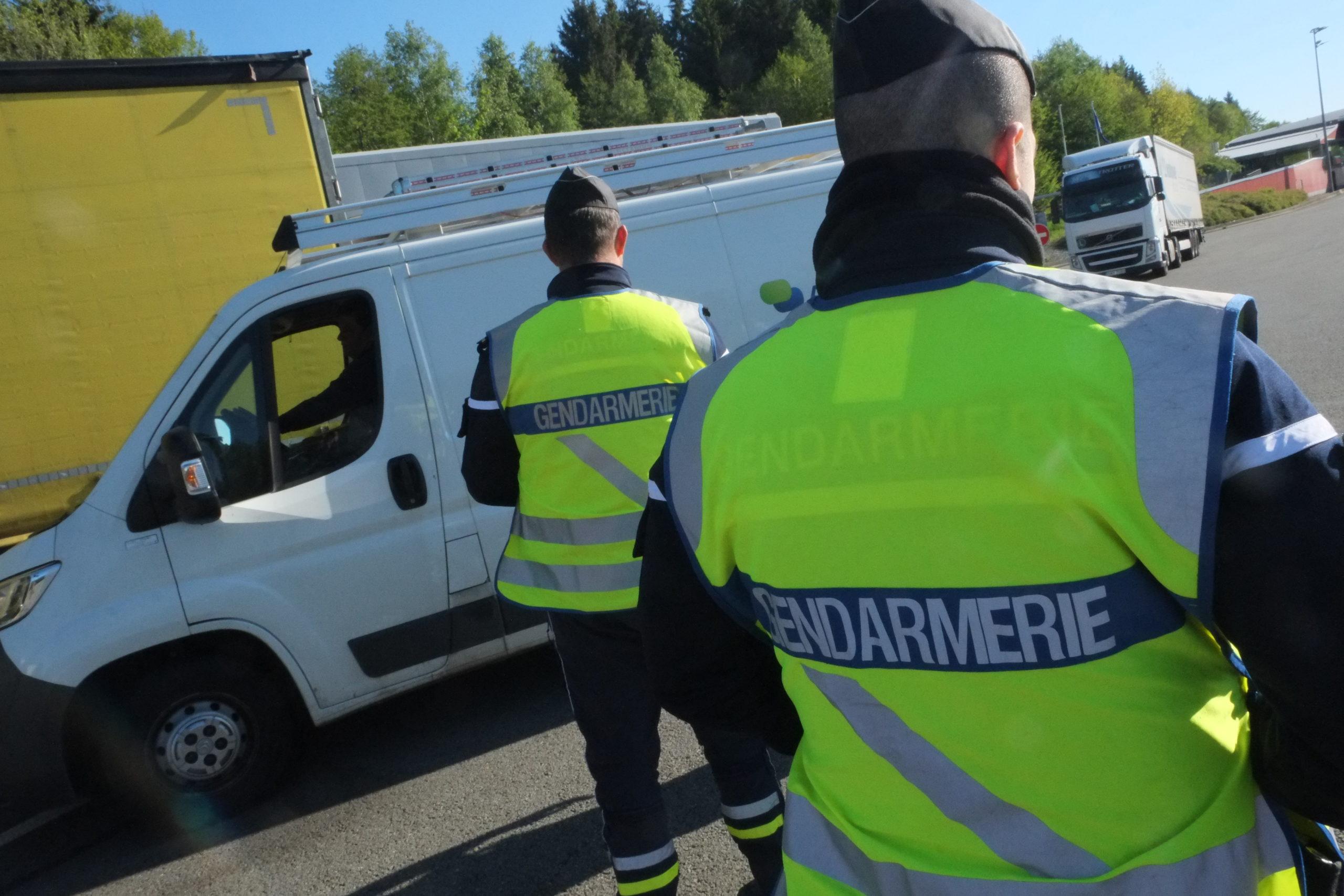 La brigade des douanes de Montbéliard a saisi 184 kg de cannabis, lundi 9 novembre, dans une camionnette en direction de l'Allemagne, au péage de Fontaine, dans le Territoire de Belfort, sur l'A36.