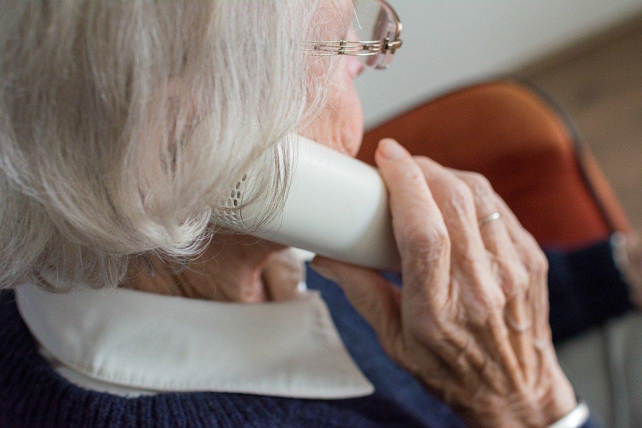 Avec ce nouveau confinement, l'association d'aide à domicile Domicile 90 relance sa plateforme téléphonique « Plateforme du cœur ». Et elle cherche des bénévoles.