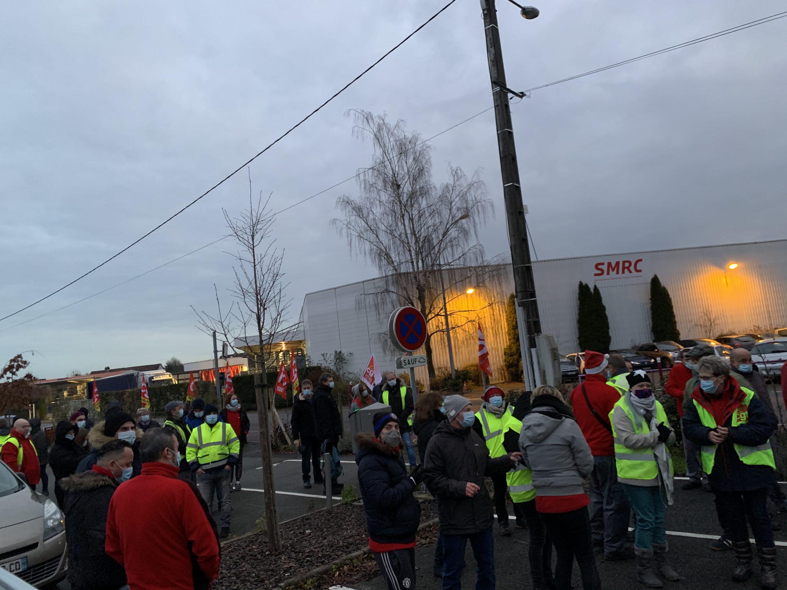 Grève devant SMRC, à Rougegoutte, dans le Territoire de Belfort.