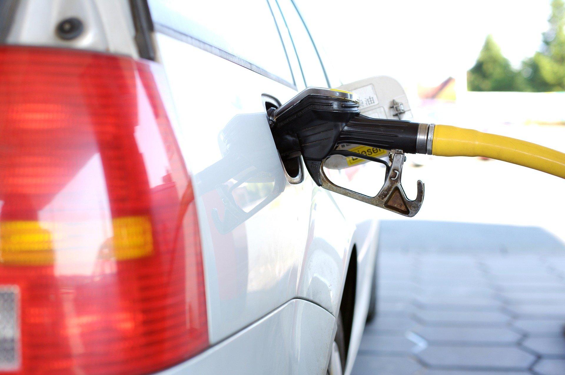 La vente d'essence en jerrican ou autre récipient transportable est interdite pendant le Nouvel An.