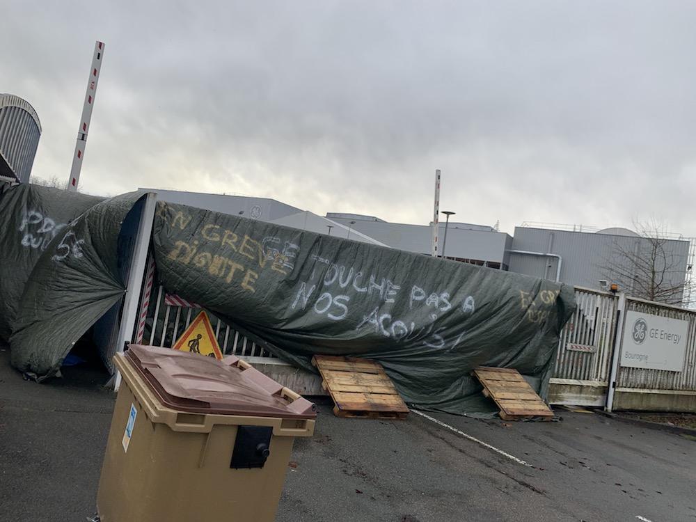 Les salariés de l'entité turbines à gaz de General Electric bloquent les ateleirs de Bourogne et de Belfort depuis plusieurs jours.