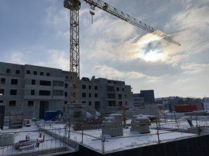 Les Jardins du Square, des logements construits sur le site de l'ancien hôpital, à Belfort. Les premiers habitants de cette première partie de 87 logements, sont attendus en septembre. Débute en 2021 la résidence senior Domitys, juste à côté.