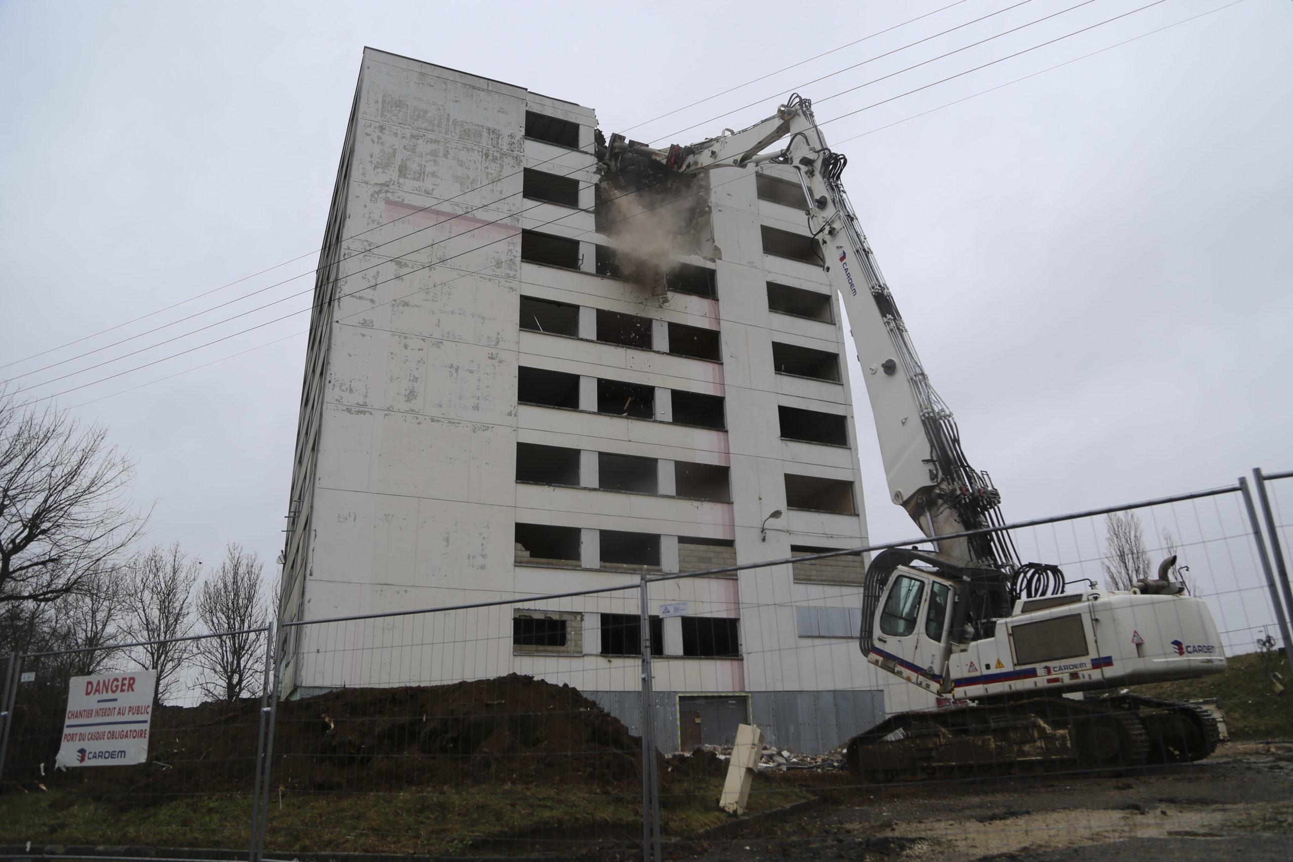Démolition de 29 logements au 23 rue des Prières, à Beaucourt, par Territoire Habitat