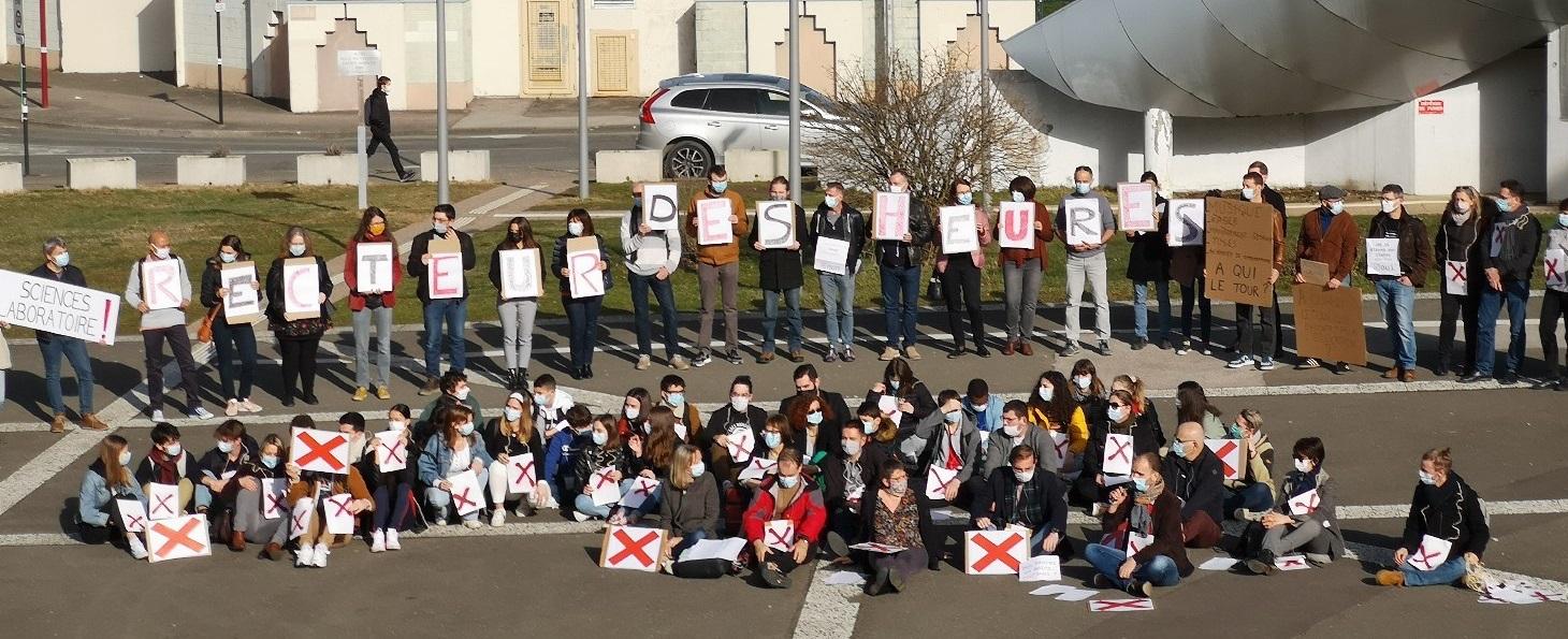 """Opération """"lycée mort"""" au lycée Courbet, ce jeudi 25 février 2021."""