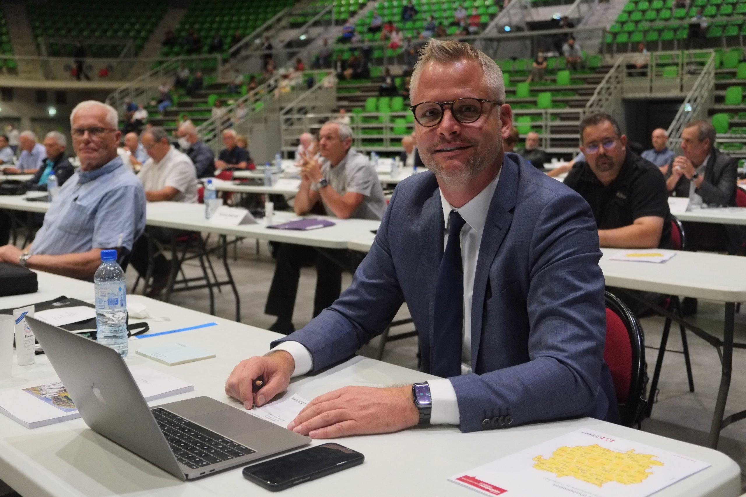 Charles Demouge retire les délégations de Nicolas Pacquot et Nadine Mercier