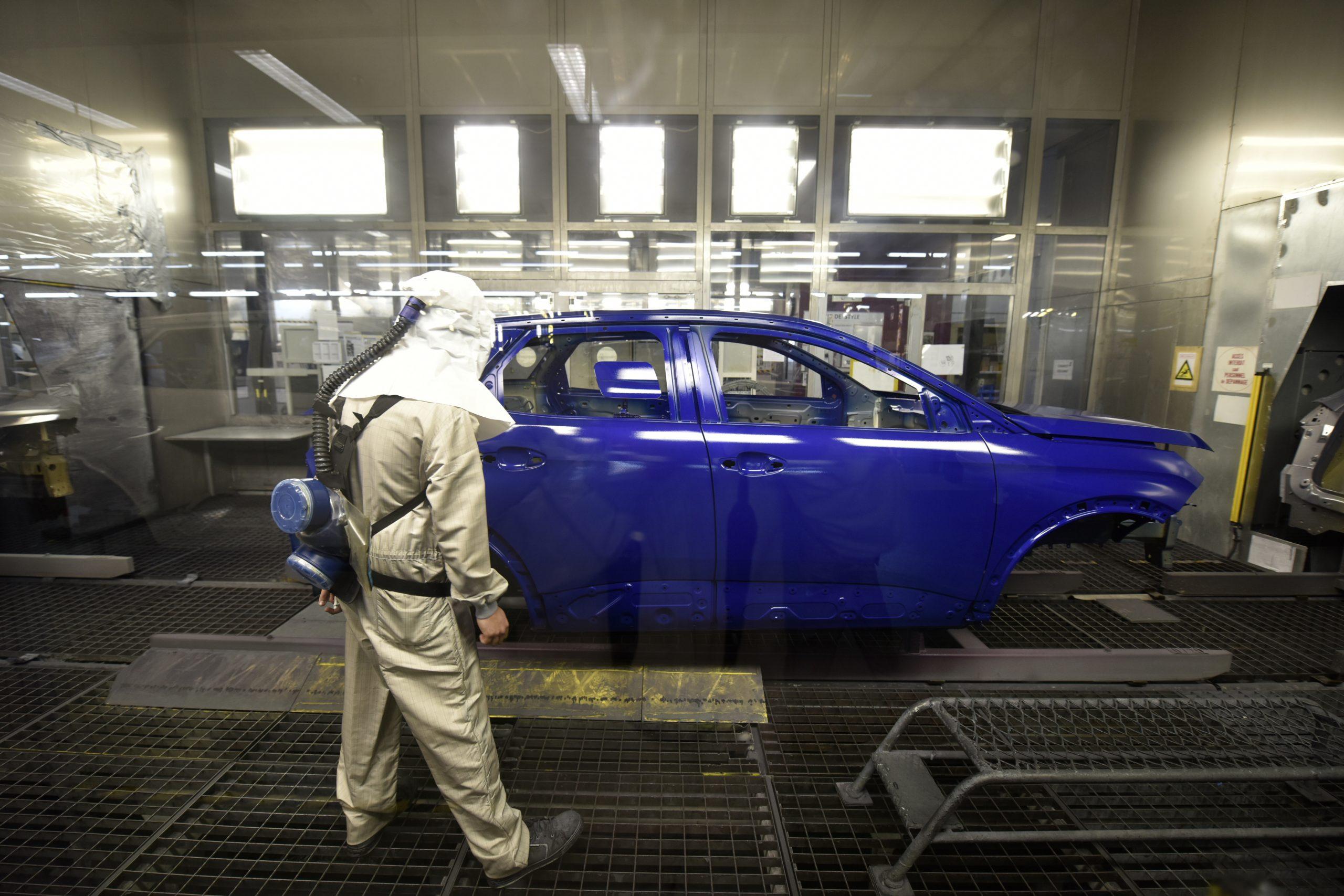 La pénurie des micro-conducteurs entraîne l'arrêt de la production de la 308 toute la semaine.