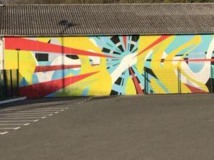 L'aérodrome du pays de Montbéliard a restauré ses hangars, en les décorant avec de grandes fresques.