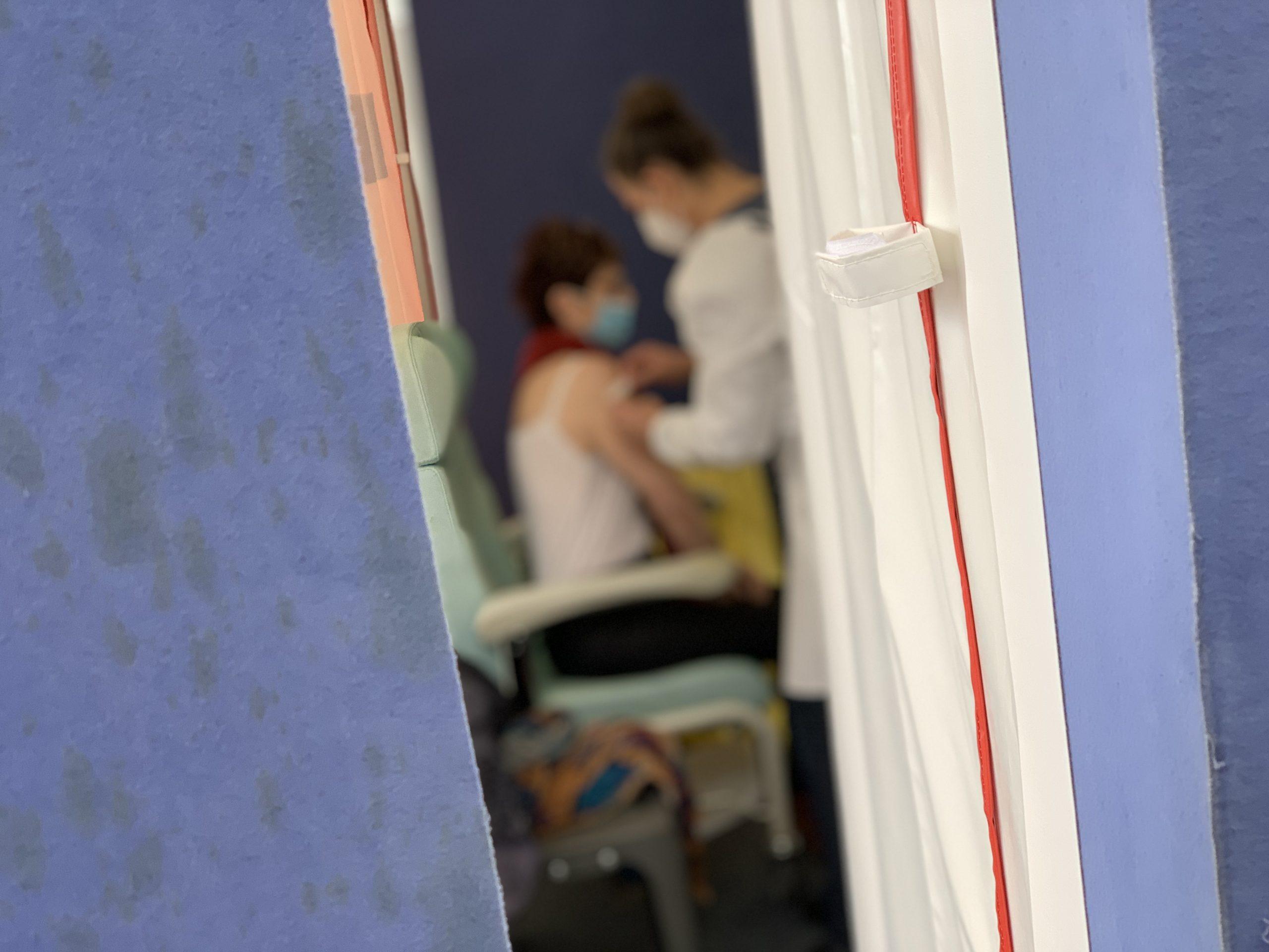 Les élus du Département du Territoire de Belfort critiquent l'arrêt du centre de vaccination mobile