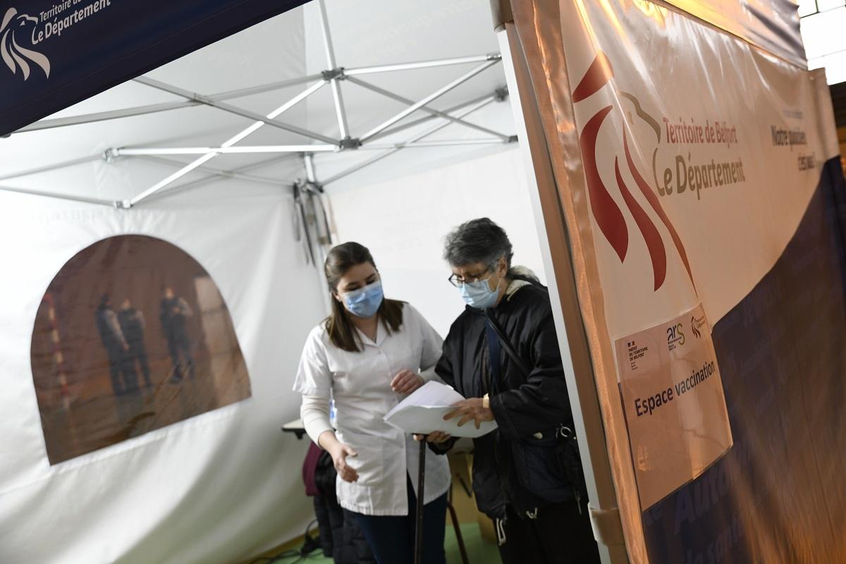 Covid-19 : le centre mobile de vaccination du Territoire de Belfort cherche des patients