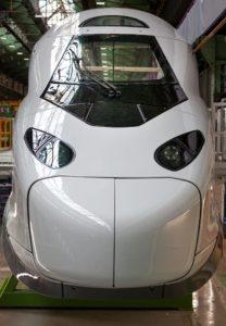 Alstom et la SNCF ont dévoilé mercredi 26 mai le nez de la nouvelle motrice du TGV M.
